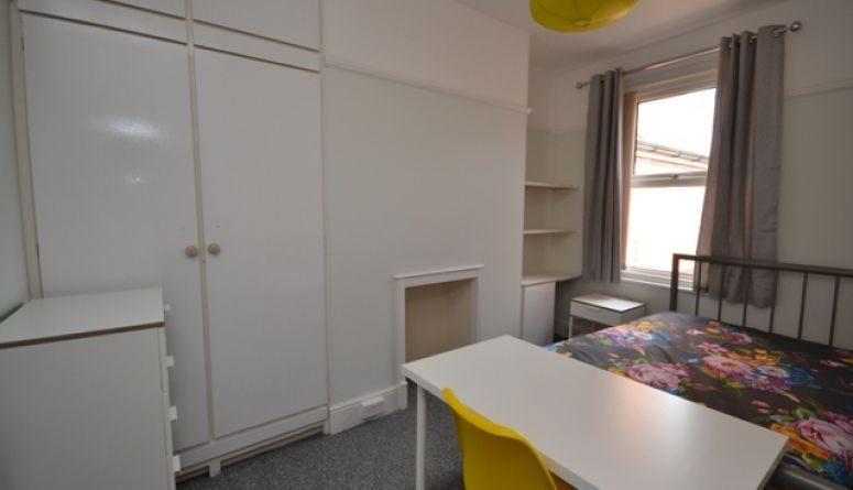51 Regents Park X5 Student For Rent In Exeter